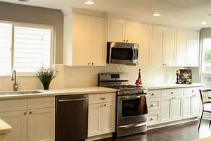 White Shaker (Maple) - Pius Kitchen & BathPius Kitchen & Bath