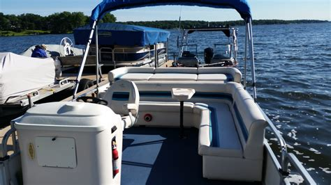 Rend Lake Pontoon Boat Rental by Rent A Lake Delavan Pontoon Boat