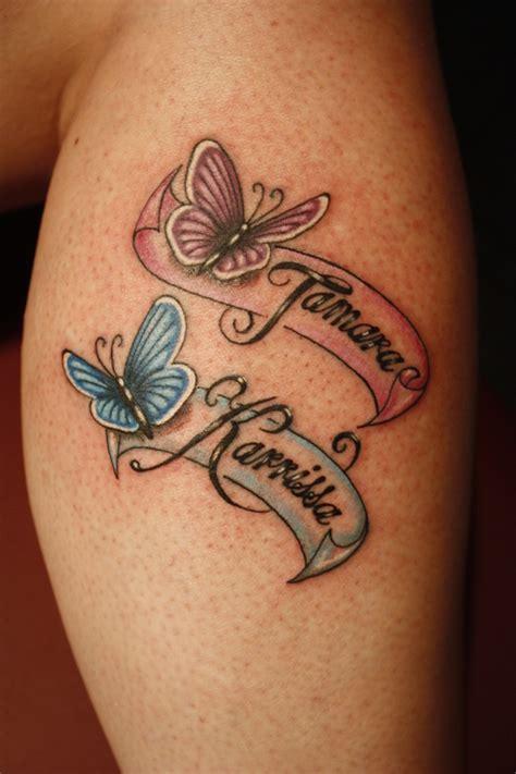 exemple tatouage  prenoms femme avec papillon rose
