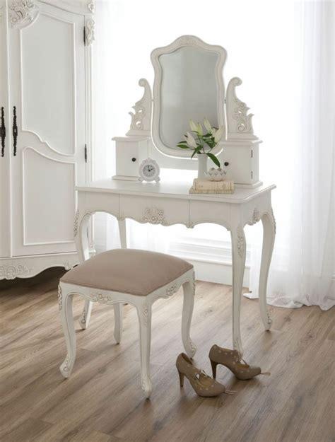 coiffeuse moderne pour chambre chambre style baroque luxueuse et pleine de caractère