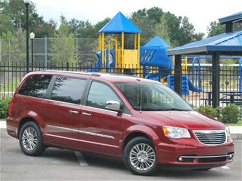 town and country test 2011 chrysler town and country road test and review autobytel