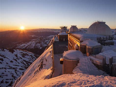 Pic du Midi : une descente dans un panorama époustouflant