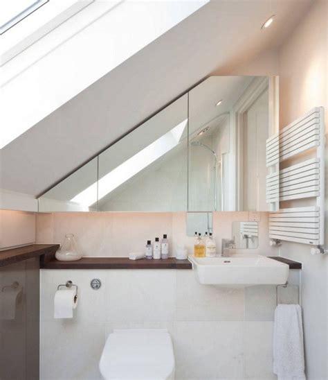 Kleines Badezimmer Mit Dachschräge Renovieren spiegelschrank im bad unter dachschr 228 ge bad
