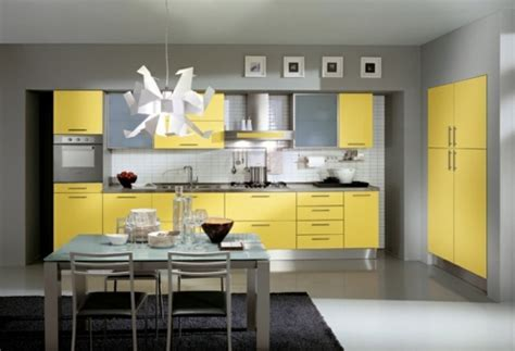 Bright yellow kitchens ? Bring the sun into your home