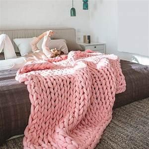 Tricoter Un Plaid En Grosse Laine : tendance tricot les plaids xxl tricot crochet et deco chambre ~ Melissatoandfro.com Idées de Décoration