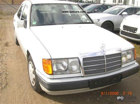 Tükör 1 db, fejtámlák 2 db, fordulatszámmérő, katalizátor, ködfényszórók elöl 2 db. 1992 Mercedes-Benz 200 E - Car Photo and Specs