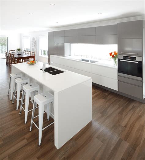 Sleek Modern Kitchen  Completehome. Design My Kitchen Online. Kitchen Inventory. Tables For Kitchen. Fresh Food Kitchen. Kidkraft Espresso Kitchen. Kitchen Cabinets Wholesale. Rubbermaid Kitchen Storage. Kid Kitchen
