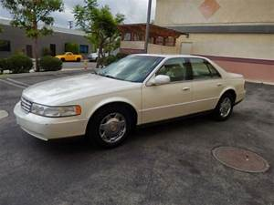 Sell Used 1999 Cadillac Seville Sls 43000 Orig Miles Calif Car In Like New Cond  5999      In