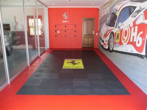 Garage floors   interlocking PVC floor tiles and mats for