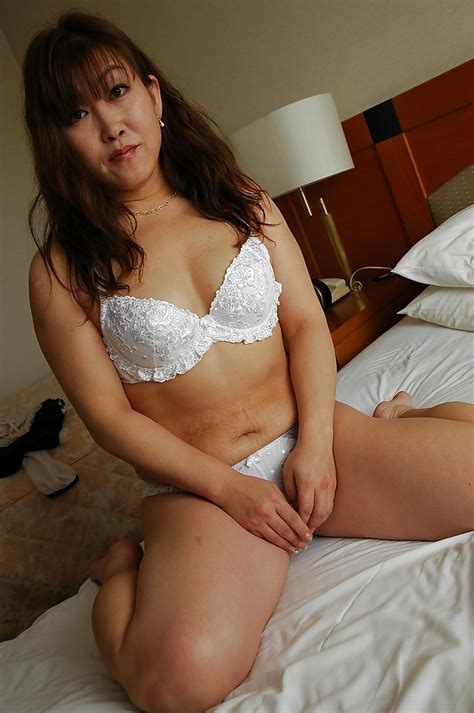 Asian Mature Lady Keiko Chiba Getting Naked And Playing With Her Sex Toys