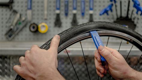 changer chambre à air vélo vélo remplacer une chambre à air blogue la cordée