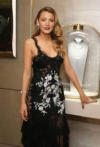 Blake Lively Ring Design Blake Lively Wears Black Lace Dress To Attend Van Cleef