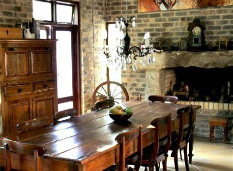 dining room  breakfast  served  fireplace