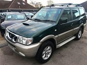 2001  Y Nissan