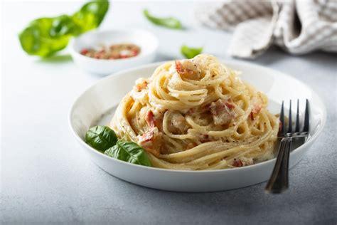 Simak resep dan cara membuat spaghetti yang mudah bagi pemula berikut ini, dilengkapi dengan bahan dan cara. Resep Spaghetti Carbonara
