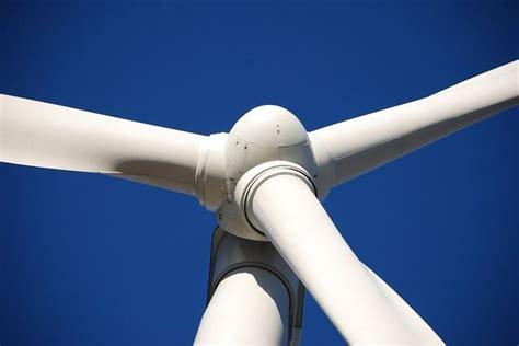 Альтернативные источники энергии для дома солнечные батареи и ветрогенераторы