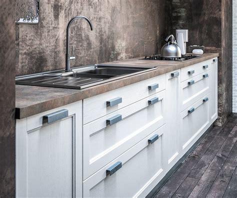 poignee de porte meuble de cuisine 12 cuisine sagne revel bois rustique kirafes