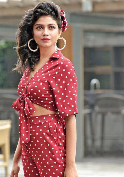 bollywood retro style outfit ideas  women bewakoof blog