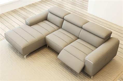 canapé cuir gris clair canapé d 39 angle fonction relax en cuir italien 5 places
