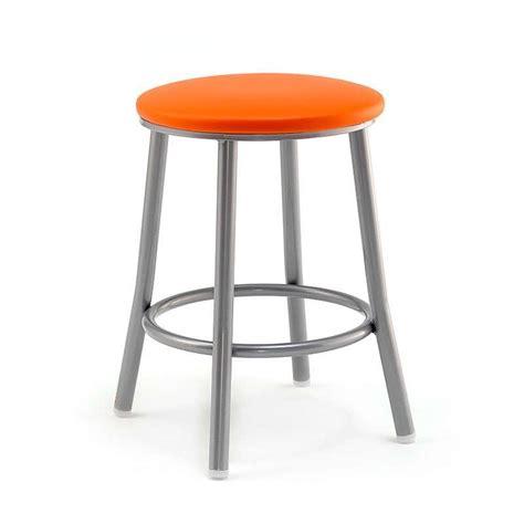 cuisine ilot central table tabouret bas en métal levante 4 pieds tables chaises