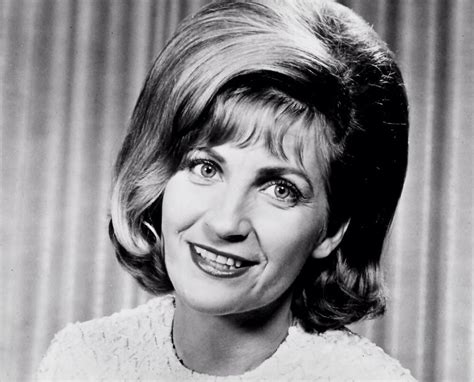 Subscribe to the country road tv youtube channel.free! Skeeter Davis | Pop musik, Popmusik, Country music