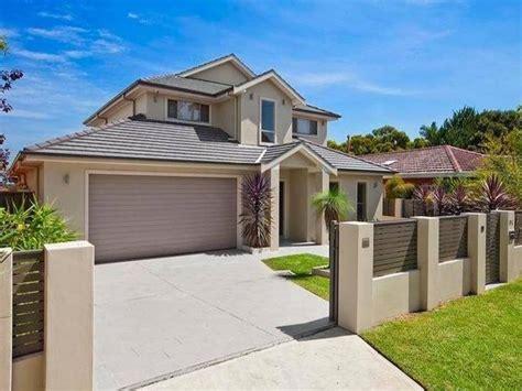 modern minimalist home fence color  ideas