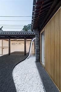 Architecture Japonaise Traditionnelle : twisting courtyard r novation d une maison traditionnelle chinoise par archstudio ~ Melissatoandfro.com Idées de Décoration