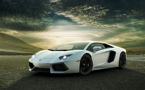 White Lamborghini Aventador Wallpapers