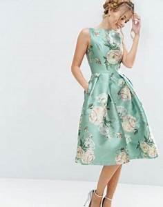 Dresscode Hochzeit Gast : chi chi london satin midikleid mit blumenprint style ~ Yasmunasinghe.com Haus und Dekorationen