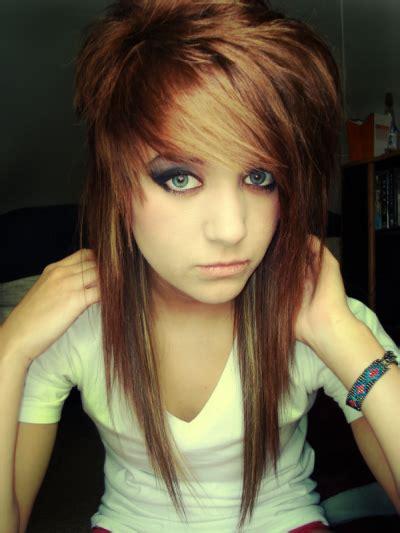 HALAAH IO: Emo Hair Styles For Girls