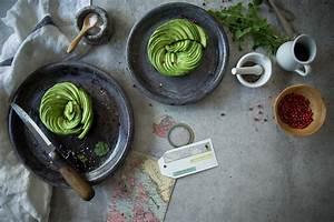 Was Macht Man Mit Avocado : anleitung f r eine avocado rose und ein rezept f r avocado salat foodlovin 39 ~ Yasmunasinghe.com Haus und Dekorationen