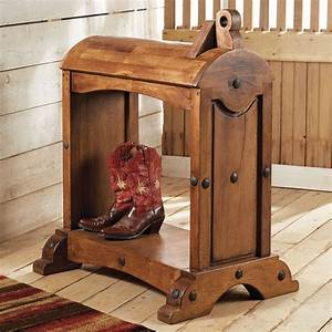 Mesquite, Saddle, Stand