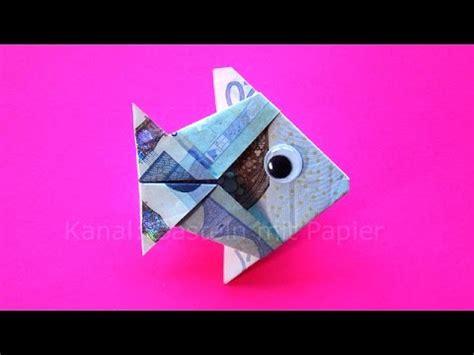 fische aus geld basteln geldscheine falten fisch geld falten zum geldgeschenke basteln zur hochzeit origami