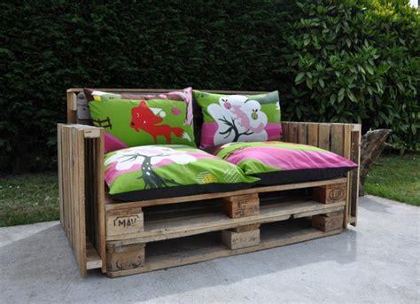 canape palette un canapé à base de palettes recyclées l 39 emballage