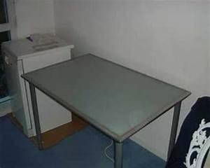 Plateau Verre Ikea : bureau avec plateau en verre tremp ikea vika lauri youtube ~ Teatrodelosmanantiales.com Idées de Décoration