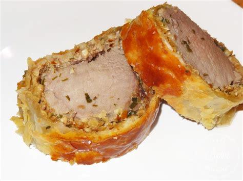 comment cuisiner un filet mignon de porc en cocotte filet mignon de porc de plein air en croûte aux noix et