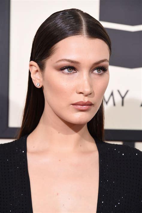 bella hadid grammys  makeup vincent oquendo  eyeshadow  bigger lips glamour