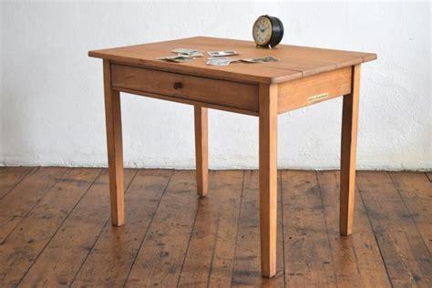 kleiner weißer tisch kleiner tisch vintage antik loft holz alt kindertisch telefontisch beistelltisch ebay