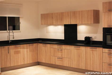 cuisine bois plan de travail noir plan de travail cuisine granit marbre marbres marbrerie