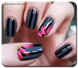 For those who want easy yet classy nail art you can use above design