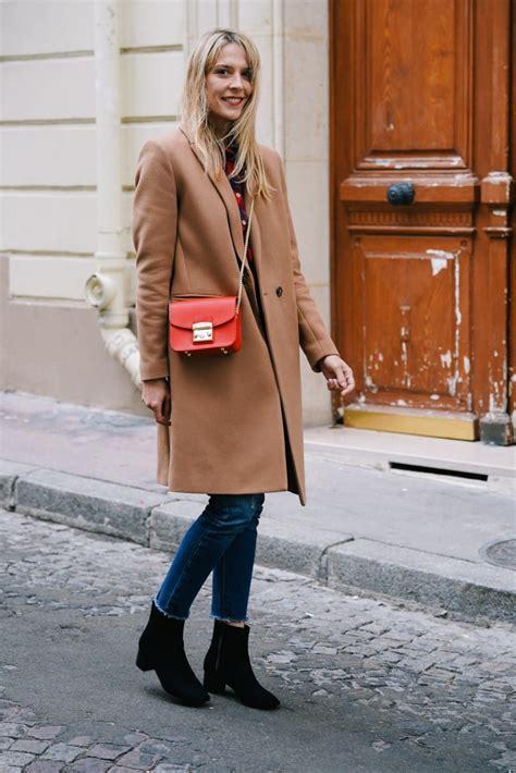 comment porter du rouge avec  manteau camel le