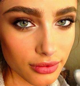 Taylor Hill Brown Smokey Eye Hair Makeup