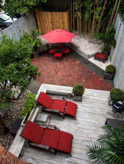 23 Simple Beautiful Small Backyards Presenting