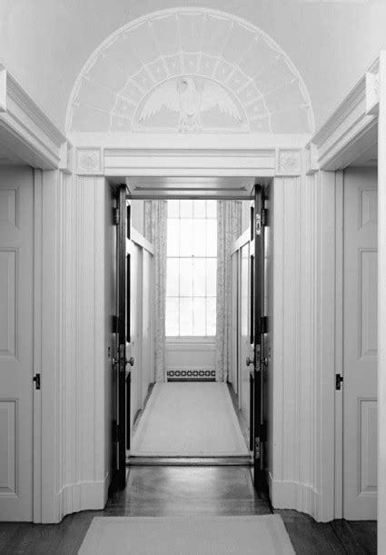 Closet Hall - White House Museum