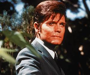 Jack Lord Biography - Childhood, Life Achievements & Timeline  Lord
