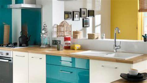 cuisine turquoise et gris facade cuisine bleu