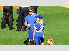 Kike Hernandez Warms Up Charlotte McKinney Dodgers 66
