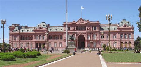 El Color De La Casa De Gobierno Dolmen