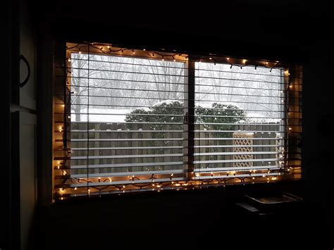 hanging window christmas lights the easy way to hang christmas lights