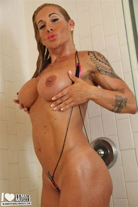 naked victoria lomba added 04 19 2017 by unknown user
